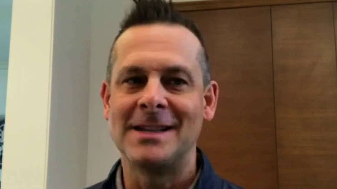 NFT craze in sports: Yankees manager Aaron Boone on 'Athlete Direct'