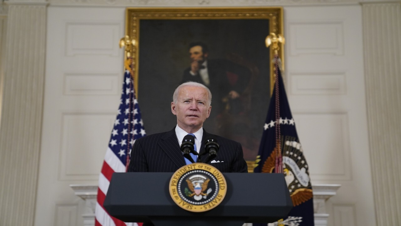 Former Sen. Joe Lieberman, I-Conn., discusses the Democrats pushing through the partisan $1.9T stimulus bill, arguing that it's not the way the government should run.