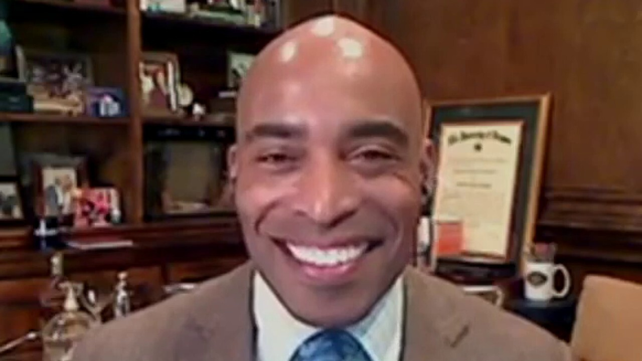 Giants legend Tiki Barber shares his predictions for the 2021 NFL draft