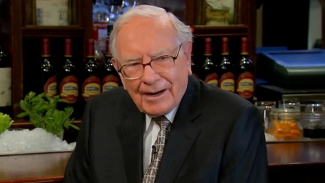 What should Warren Buffett address in annual shareholder letter?