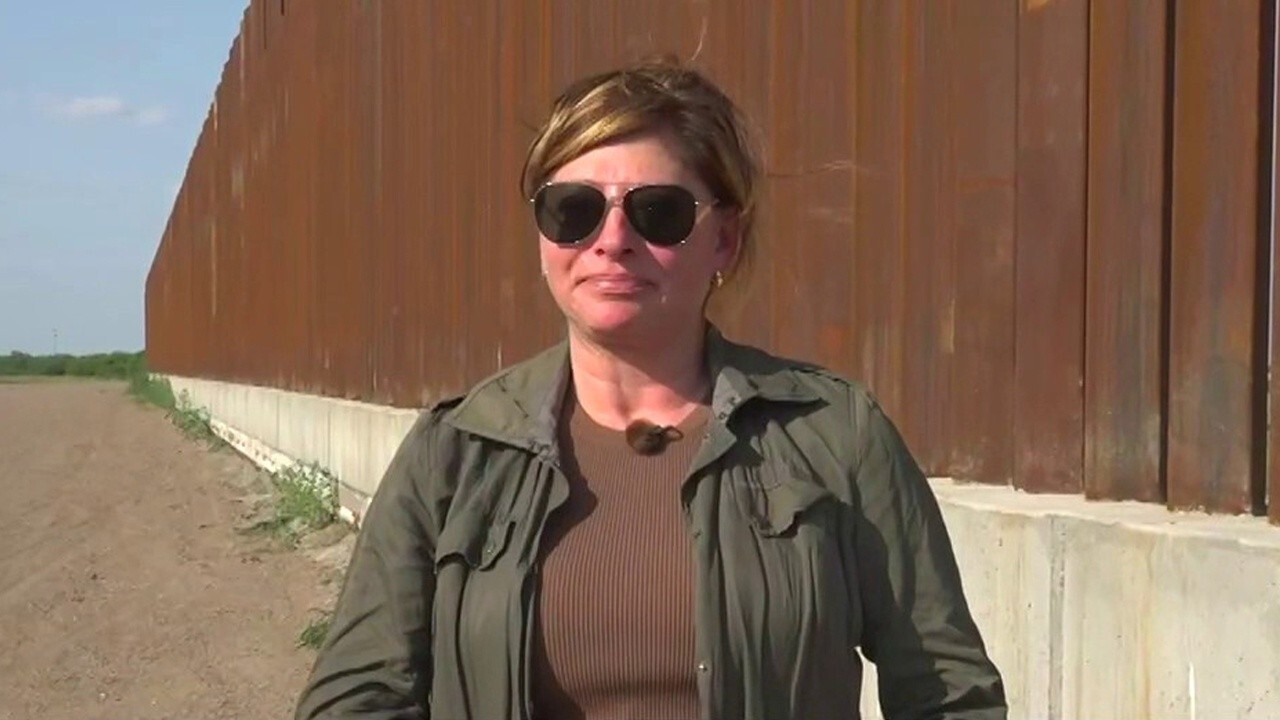 Maria Bartiromo encounters migrants trying to get caught on border
