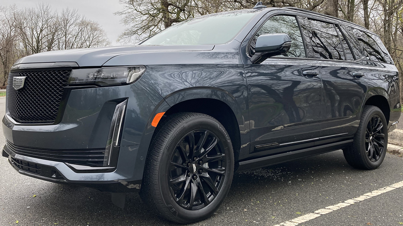 2021 Cadillac Escalade includes new 'hands-free' driving feature for highways