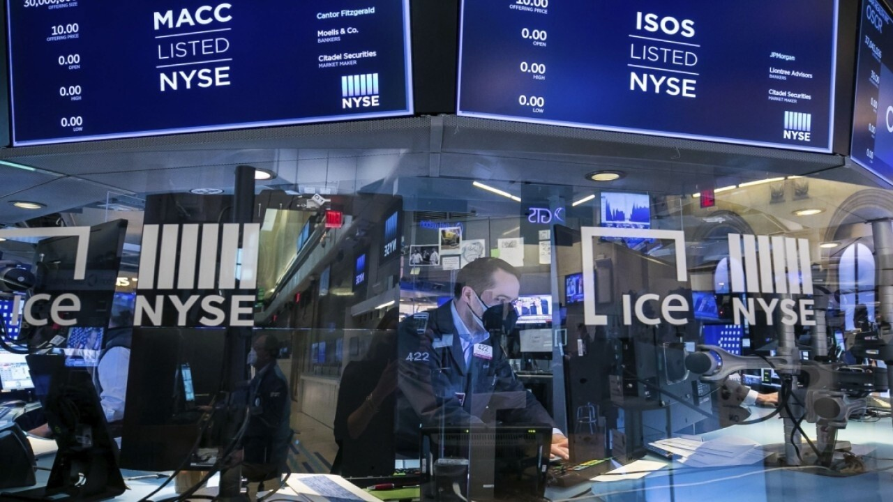 Growth stocks outperform as inflation data weighs on cyclicals