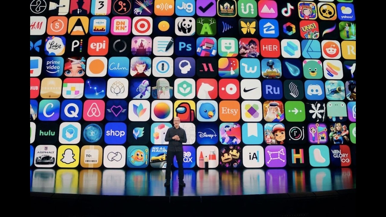 Starship Capital managing partner John Meyer and Neuberger Berman senior research analyst Dan Flax reflect on day one of Apple's annual Worldwide Developers Conference.