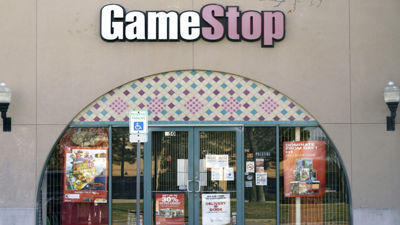 Wedbush Securities managing director Michael Pachter shares his thought on the GameStop stock surge.