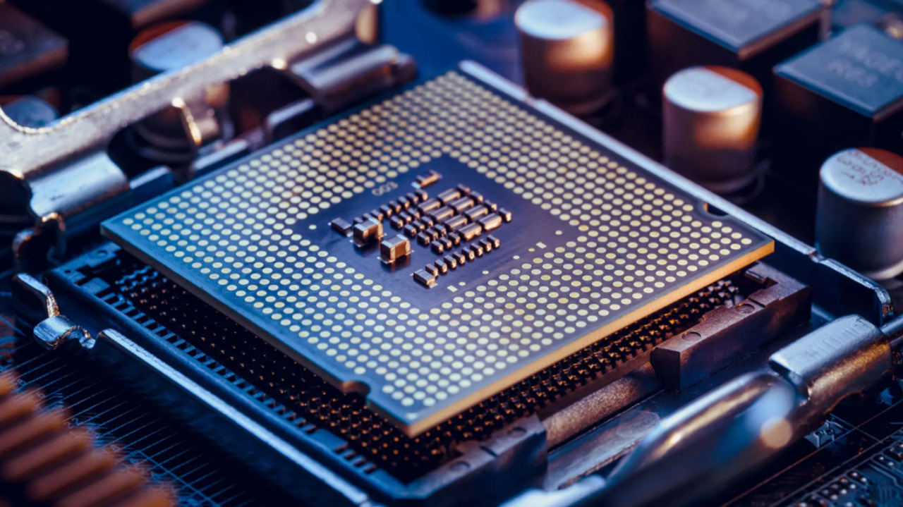 Silicon Valley-based researcher explains what's creating the global chip shortage