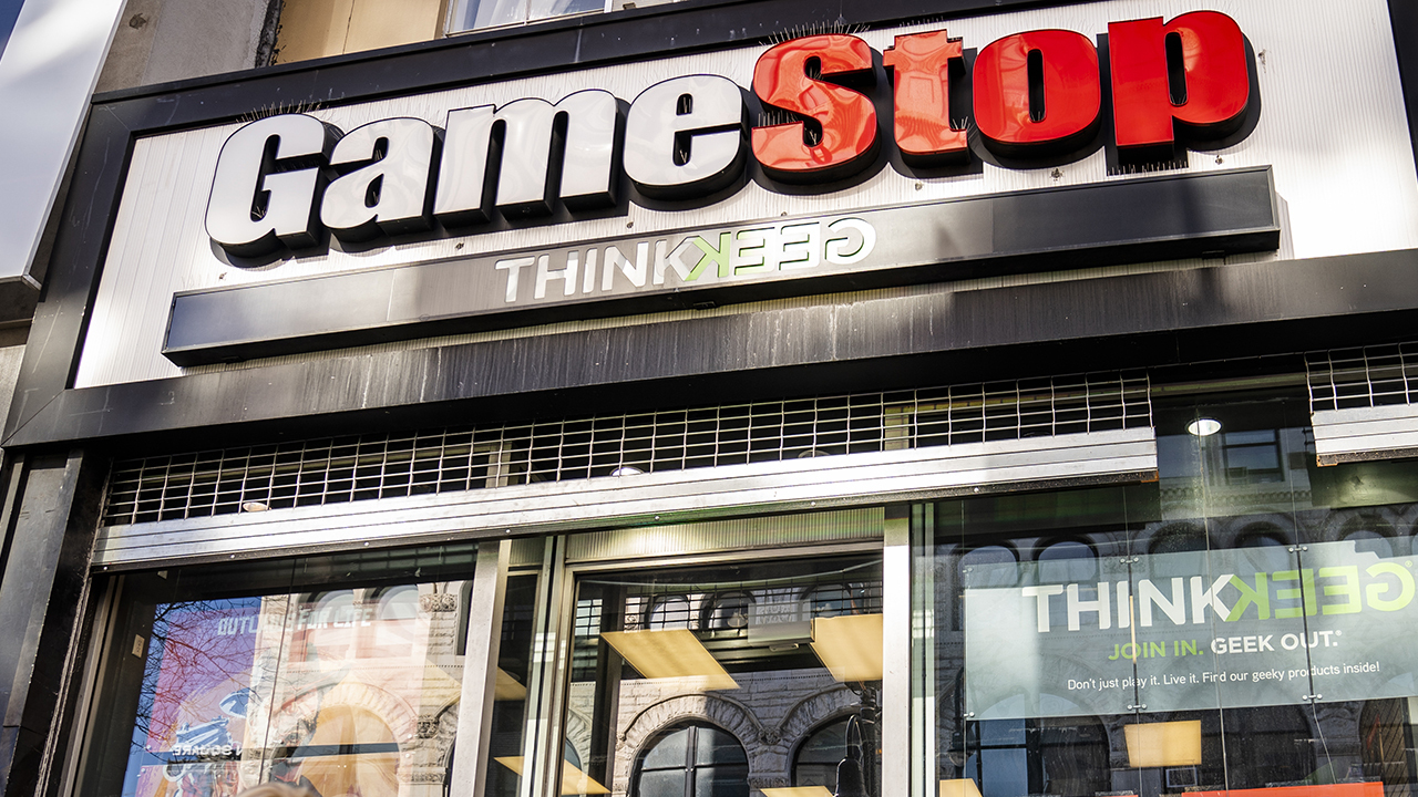 Wedbush Securities chief technology strategist Brad Gastwirth provides insight into whether it's worth investing in GameStop.