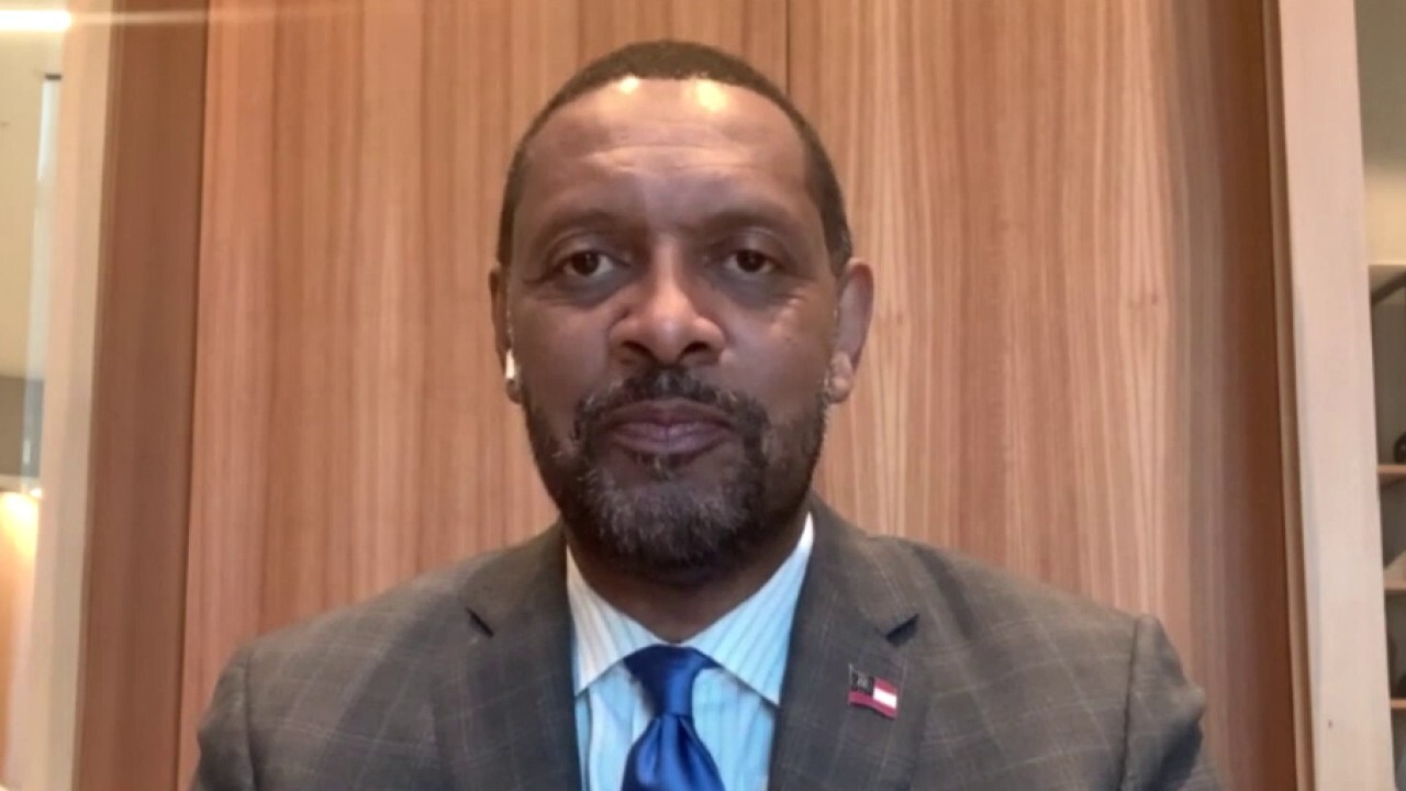 Vernon Jones considers run for GA governor