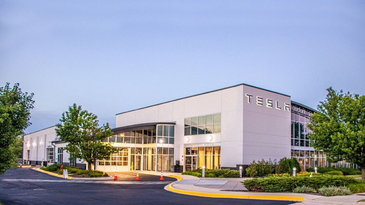 Tesla investing $1.5B in bitcoin does not impact their recent decline: 'Tesla Daily' host