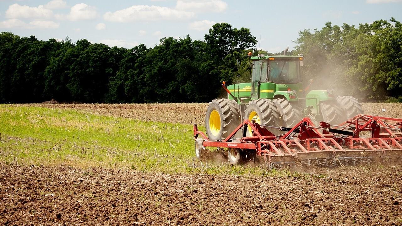 Oregon farmer on suing Biden over relief program based on race