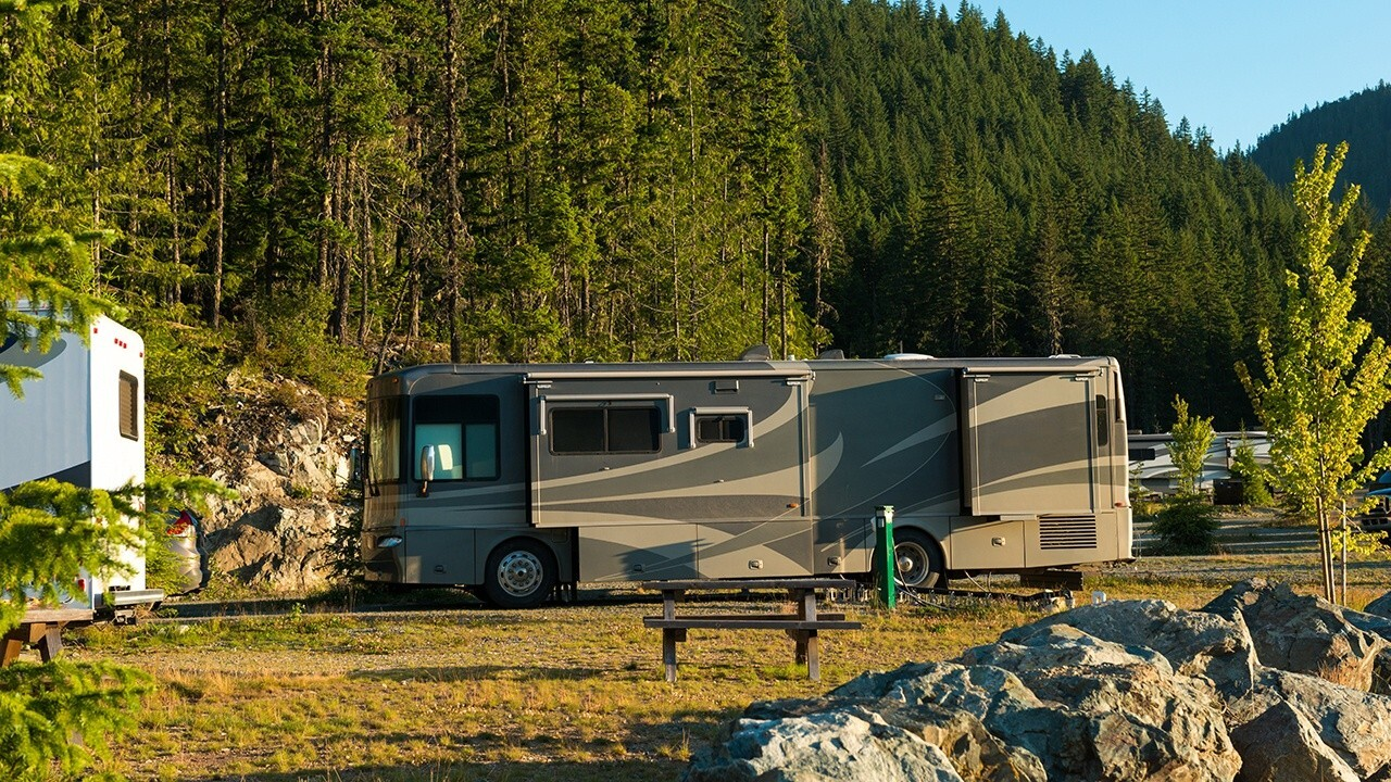 Fox Business' Grady Trimble takes a closer look at the camping craze.