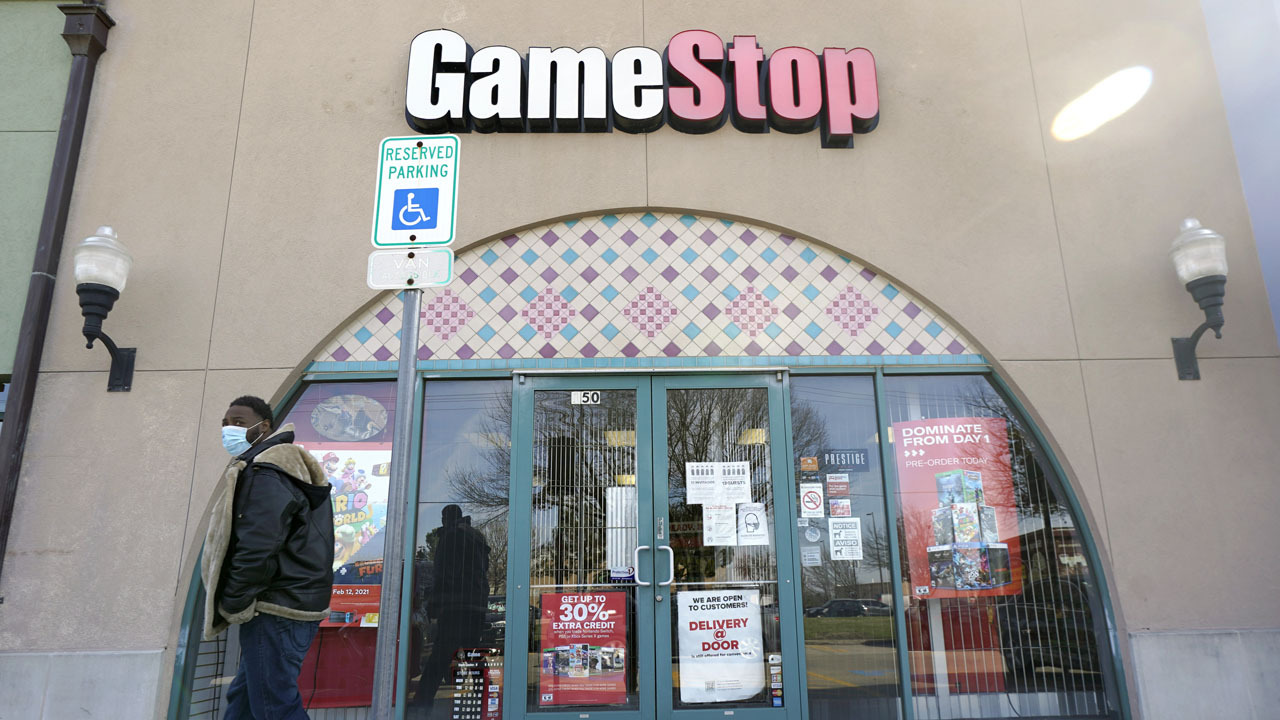 GameStop frenzy has exposed that the rules are different for different players: 多梅内克