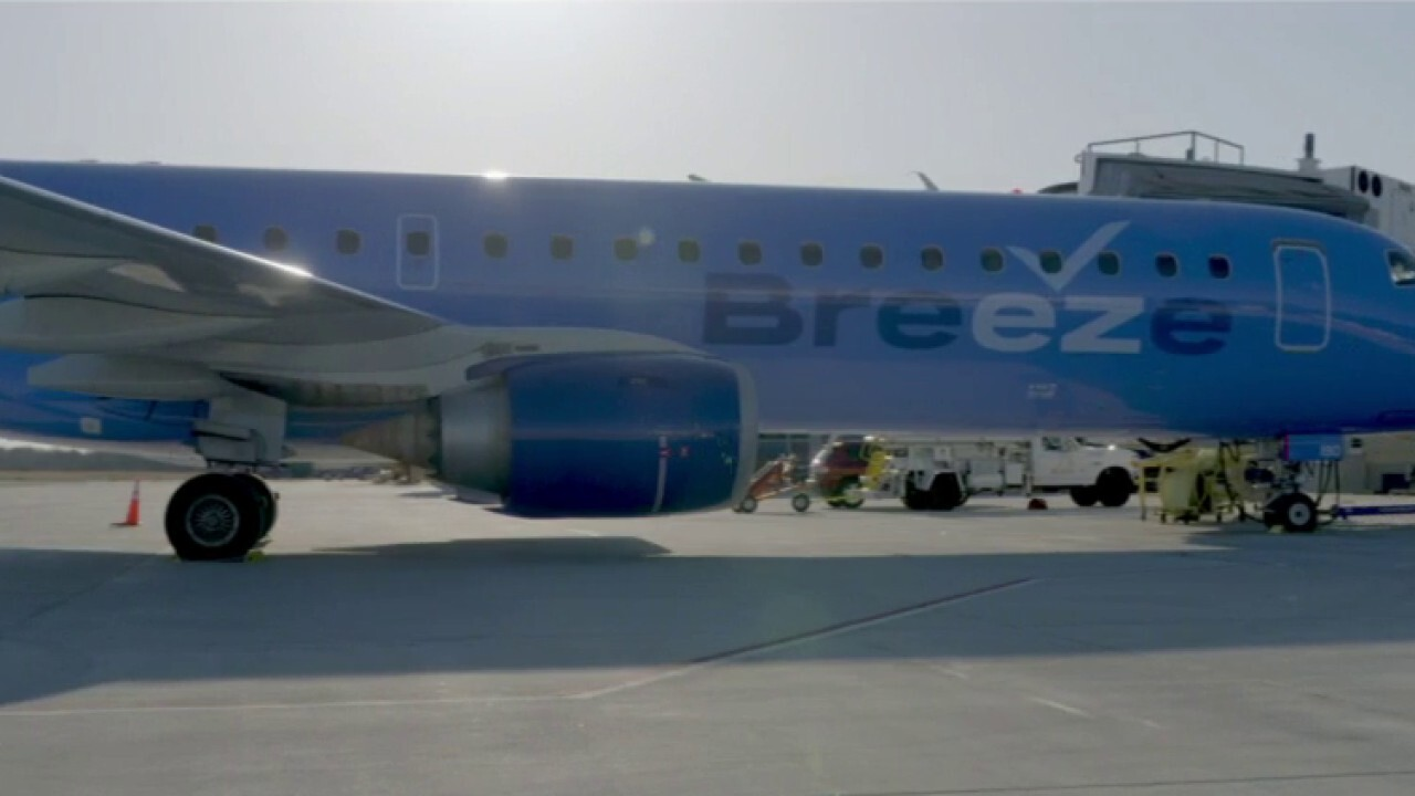 Jet Blue founder launches Breeze Airways with $39 fares