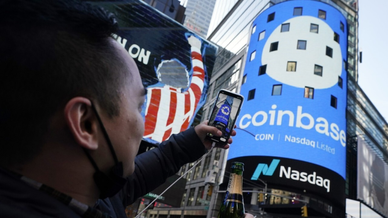 Cavuto: Early bitcoin investors 'richly rewarded' as Coinbase shares soar